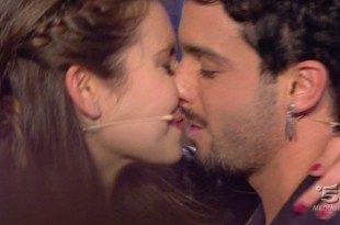 uomini e donne jonas rama bacio