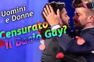 bacio gay censurato